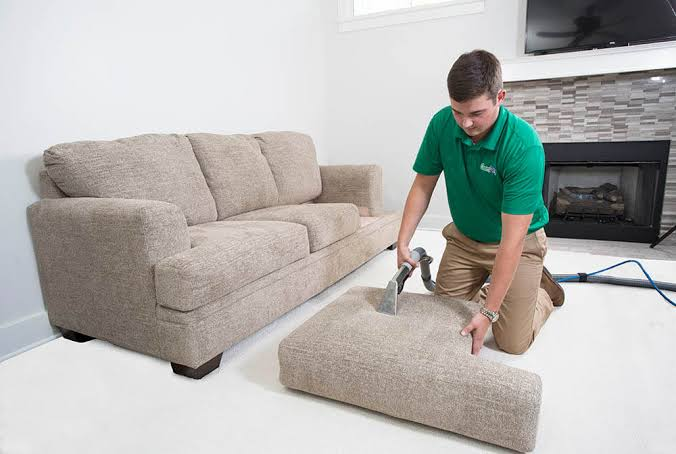 Experienced Upholstery Cleaning Conroe TX 1